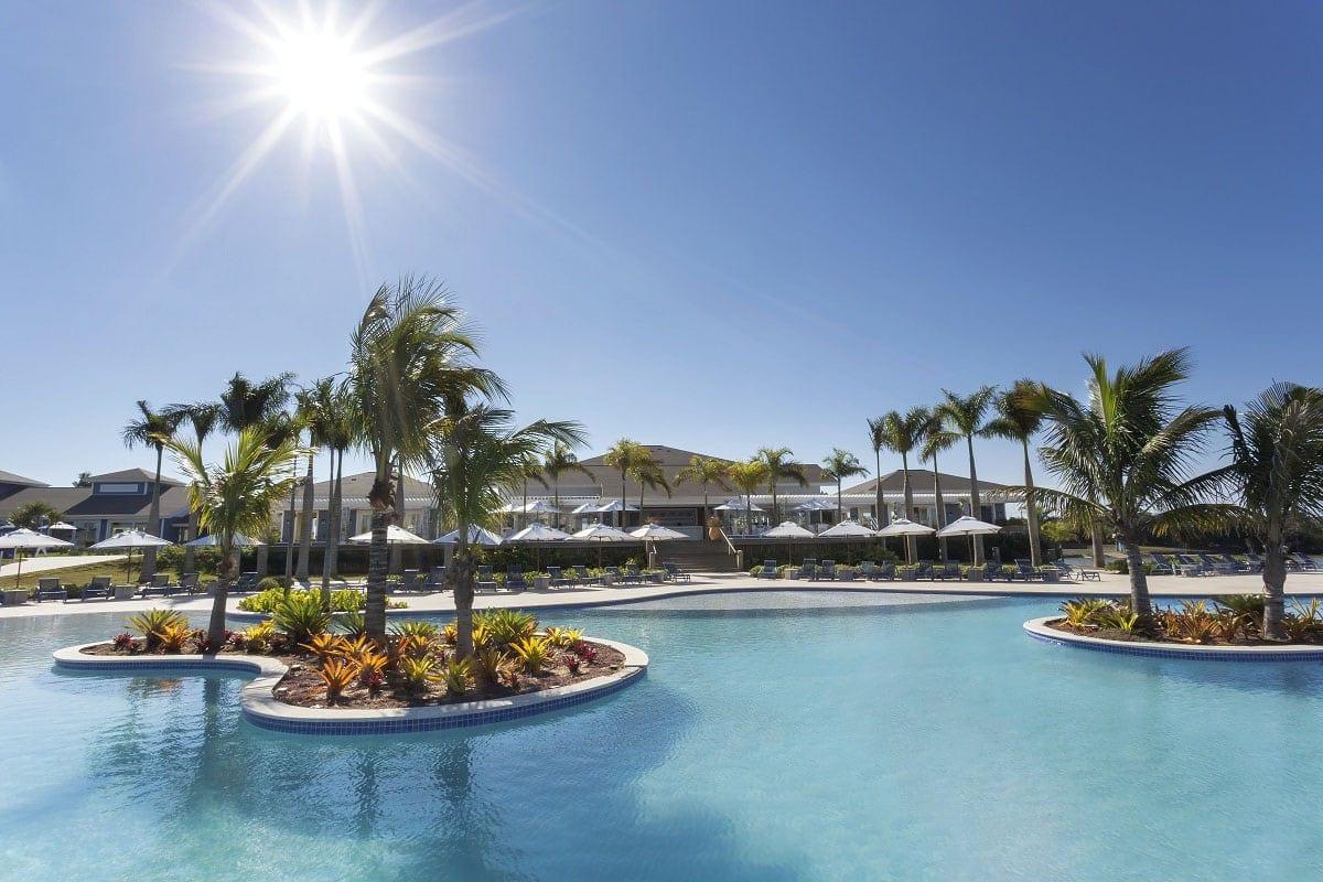 Clube Slim (padrão Resort), um Iate Clube Incrível com Belíssima Piscina de Borda Infinita   Riviera de Santa Cristina II